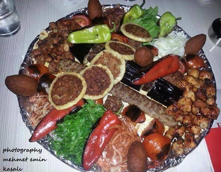 Etli ve acılı Urfa yemekleri